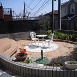 横浜市Y様邸 デッキ交換・庭のレンガ敷き