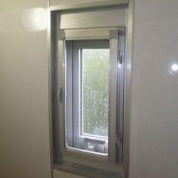 青葉区W様邸 トイレ窓・カバー工法