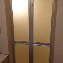 神奈川県横浜市青葉区 賃貸マンション 浴室ドア交換