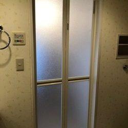 神奈川県横浜市青葉区M様邸 浴室扉交換